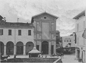 L'edificio religioso al centro della foto è l'oratorio di San Sebastiano, demolito dopo i bombardamenti della seconda guerra mondiale.