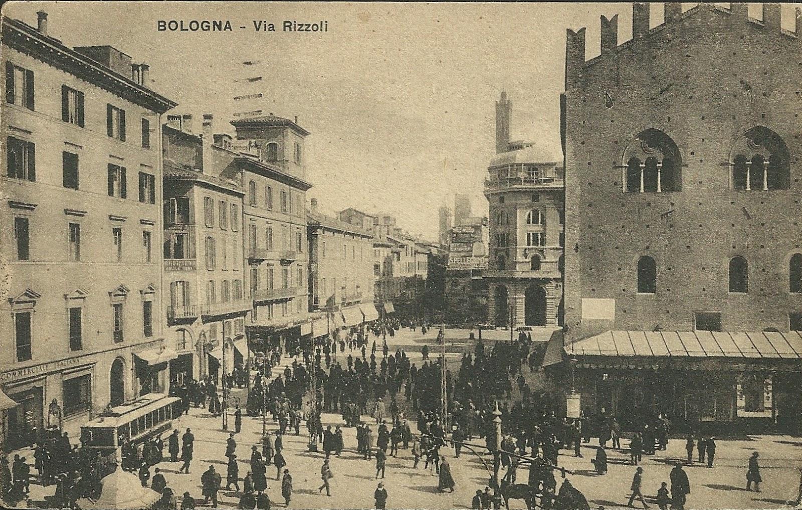 La trasformazione del Mercato di Mezzo: l'allargamento di via Rizzoli
